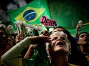Anhänger Jair Bolsonaros feiern seinen Wahlsieg. (Bild: Fernando Bizerra/EPA) (Bild: KEYSTONE/EPA EFE/FERNANDO BIZERRA)