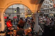Das Rathaus für Kultur in Lichtensteig – hier eine Veranstaltung im Sommer 2018 – wird dank Crowdfunding im neuen Jahr so richtig durchstarten können. (Bild: Michael Hug)