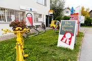 Postagenturen wie diese in Altenrhein müssen ihre Angebotspalette erweitern, um über die Runden zu kommen. (Bild: Rudolf Hirtl)