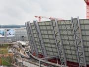 Auf der grössten Hochbaustelle der Schweiz entsteht das Dienstleistungscenter «The Circle» vom Flughafen Zürich. (Bild: KEYSTONE/ALEXANDRA WEY)