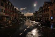 Dunkel Häuserzeilen: In Beromünster gingen wegen des Sturms die strombetriebenen Lichter aus. (Leserbild: Simon Meyer (29.10.2018))