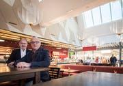 Hermann Hess und Edgar Ehrbar im neuen RössliBeck im Einkaufszentrum Amriville in Amriswil. (Bild: Reto Martin)