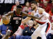 Für Clint Capela und die Houston Rockets läuft es derzeit nicht nach Wunsch (Bild: KEYSTONE/FR171023 AP/ERIC CHRISTIAN SMITH)
