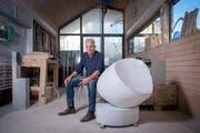 Roman Brunschwiler in seiner Werkstatt in Gossau. (Bilder: Urs Bucher)
