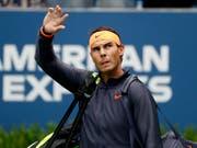 Rafael Nadal muss unverrichteter Dinge wieder aus Frankreich abziehen (Bild: KEYSTONE/FR110666 AP/ADAM HUNGER)