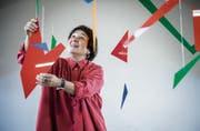 Die ordnende Hand der Silvia Peters in der Bildschule Frauenfeld.