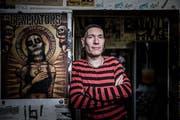 Konzertveranstalter Martin Gössi hörte die Punk-Band Hass als 15-Jähriger erstmals. Jetzt holt er sie in den Sedel. (Bild: Manuela Jans-Koch, Luzern, 16. Januar 2017)