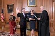 Brett Kavanaugh wird vereidigt. (Bild: Fred Schilling/Collection of the Supreme Court of the United States via AP)