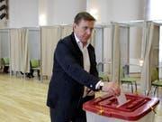 Der Ministerpräsident von Lettland, Maris Kucinskis, musste bei der Parlamentswahl am Samstag eine herbe Niederlage einstecken. (Bild: KEYSTONE/EPA/VALDA KALNINA)