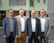 Fridolin Bossard, Josef Ribary, Josef Iten-Nussbaumer und Roland Müller (von links) sind wieder gewählt. Der fünfte im Bund, Beat Iten, fehlt auf dem Bild. (Bild: Christian H. Hildebrand (Unterägeri, 7. Oktober 2018))