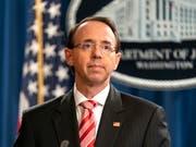 US-Präsident Donald Trump hat Spekulationen über eine Entlassung von Vize-Justizminister Rod Rosenstein vorerst ein Ende gesetzt. (Bild: KEYSTONE/EPA/JIM LO SCALZO)