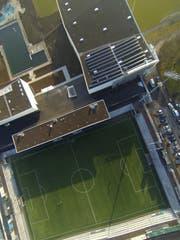 Ein Kunstprojekt soll ungewohnte Einblicke in den Sportpark Bergholz ermöglichen. (Bild: Ralph Ribi)