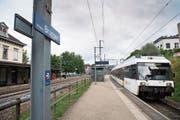 Vom Viertelstundentakt ist der Bahnhof Bruggen weit entfernt. (Bild: Thomas Hary)