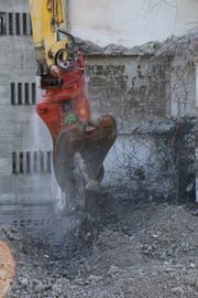Mühle Rickenbach: Mit 1500 Tonnen Kraft gegen den Stahlbeton. (Bilder: Hans Suter)