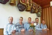 Der frühere Besitzer Hans Grob mit den neuen Gastgebern Elsbeth Bleiker, Mathias Bleiker, Matthias Bleiker und Jonas Bleiker (von links). (Bild: PD)