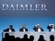 Daimler-Finanzchef Bodo Uebber will mit Rückzug Platz machen. (Bild: KEYSTONE/AP/MATTHIAS SCHRADER)