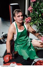 Boxen oder Gärtnern? Pit-Arne Pietz im Monolog «Das Auge des Tigers». (Bild: Tanja Dorendorf)