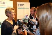 Rund 50 Journalistinnen und Journalisten aus der ganzen Schweiz haben am Dienstagnachmittag an der Medienkonferenz von Ständeratspräsidentin Karin Keller-Sutter teilgenommen. (Bilder: Hans Suter/Gianni Amstutz)