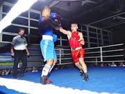 Der Rheintaler Mohammed Temizer (Rot) zeigte gegen den Winterthurer Brian Cabodevilla einen tollen Fight.