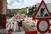 Die Leitungen werden in den Boden verlegt, wie hier an der Ifangstrasse in Bazenheid. (Bild: pd)