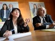 Géraldine Savary und Luc Recordon während der zweiten Runde des Wahlkampfs für einen Ständeratssitz im Jahr 2015. (Bild: KEYSTONE/LAURENT GILLIERON)