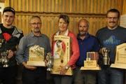 Die Wanderpreisgewinner (von links): Ruedi Bissig, Josef Arnold, Heidi Welti, Albin Epp und Heinz Bissig. (Bild: Paul Gwerder, Unterschächen, 9. November 2018)