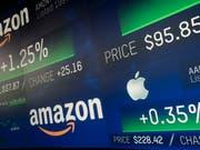 Amazon und Apple vereinbarten kurz vor Beginn des Weihnachtsgeschäfts eine engere Kooperation. (Bild: KEYSTONE/AP/MARK LENNIHAN)
