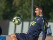 Fabian Schär (hier im Training der Nationalmannschaft) siegt mit Newcastle gegen Bournemouth (Bild: KEYSTONE/MELANIE DUCHENE)