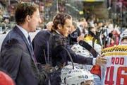 Nationaltrainer Patrick Fischer (Mitte) hat mit seinem Team alles im Griff. (Bild: Andy Müller/Freshfocus (Krefeld, 11. November 2018))