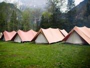 Zelte von Pfadfindern anlässlich eines Pfingstlagers in Kandersteg. (Bild: KEYSTONE/MANUEL LOPEZ)