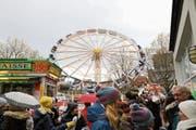 Auch letztes Jahr war das Riesenrad eine Attraktion. (Bild: Zuger Presse/Daniel Frischherz (Baar, 13. November 2017))
