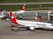 Die Fluggesellschaft Swiss wird ab 2019 mehr Flüge mit Flugzeugen der Helvetic Airways durchführen. (Bild: KEYSTONE/SALVATORE DI NOLFI)