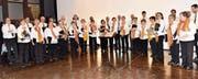 Männerchor singt mit Frauenchor – die Anzahl Frauen und Männer war für einmal im Gleichgewicht. (Bild: Heidy Beyeler)