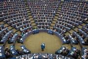 Angela Merkel spricht vor den Abgeordneten im Europaparlament. (Bild: Patrick Seeger/EPA (Strassburg, 13. November 2018))