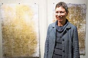 Andrea Röthlin vor einem ihrer Werke. (Bild: Romano Cuonz (Sarnen, 10. November 2018))