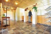 Der Eingangsbereich des 1979 eingeweihten Wängemer Gemeindehauses ist laut dem Gemeinderat nicht mehr zeitgemäss. (Bild: Bilder: Olaf Kühne)