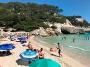 Spanien blieb für Hotelplan die Top-Destination - trotz Preiserhöhungen der dortigen Hotels. (Bild: KEYSTONE/AP Albert Stumm)