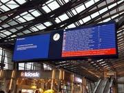 Auch am Bahnhof Luzern wurde eine Störungsmeldung angezeigt. (Bild: Matthias Piazza)