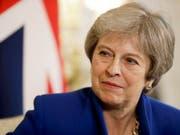 Ein Entwurf eines Austrittsabkommens zwischen Grossbritannien und der EU soll stehen. Das teilte das Büro von Premierministerin Theresa May (Bild) am Dienstagabend mit. (Bild: KEYSTONE/AP POOL/MATT DUNHAM)