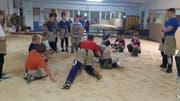Rund 20 Jugendliche waren am Trainingsstart dabei. (Bild: PD)