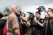 Der Thurgauer Kantonstierarzt Paul Witzig spricht am 8. August 2017 zu den Journalisten über den Zustand der Tiere auf dem Hof von Ulrich Kesselring. (Bild: KEYSTONE/Ennio Leanza)