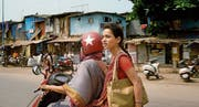 Ratna (Tillotama Shome) nutzt die wenigen Möglichkeiten, die sie hat, und nimmt ihr Leben selbst in die Hand. (Bild: Xenix)