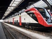 Die SBB dürfen die neuen Bombardier-Doppelstockzüge einsetzen. Das Bundesamt für Verkehr hat eine auf zwei Jahre befristete Bewilligung erteilt. (Bild: KEYSTONE/ENNIO LEANZA)