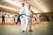 Zwei, die den Schweizer Meisterschaften in St.Gallen Vorschub leisteten: Marco Peter (links), Präsident des Judoverbandes St.Gallen-Thurgau-AR, und Marcel Burkhard, zweifacher Olympiateilnehmer und heute Leiter des regionalen Leistungszentrums St.Gallen. (Bild: Ralph Ribi)