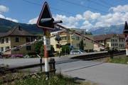 Beim Bahnübergang Stationsstrasse wurde auf Intervention der IG Burgerau die Steuerung der Barriere geändert, so dass sie nun nicht mehr so lange geschlossen wird. (Bild: Heini Schwendener)