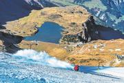 Schneearme Winter – hier ein Bild vom Titlisgebiet – machen den Skigebieten zunehmend zu schaffen. (Bild: Roger Grütter (Engelberg, 1. November 2016))