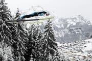 Wie schnell, wie hoch? Sprünge wie jene von Simon Ammann, hier beim Weltcupspringen in Engelberg vor einem Jahr, sollen genaustens vermessen werden. (Bild: Gian Ehrenzeller/KEY)