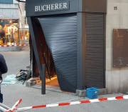 Blick auf den Tatort am frühen Montagmorgen. (Bild: Christof Krapf)