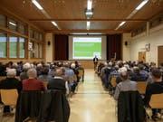 Rund 110 Personen kamen zur Information über die flankierenden Massnahmen in Bütschwil. (Bild: Sascha Erni)