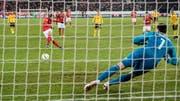 Ricardo Rodriguez scored the penalty against the Belgian Thibaut Courtois rabbit (Image: Toto Marti / Blick / freshfocus (Lucerne, November 18, 2018))
